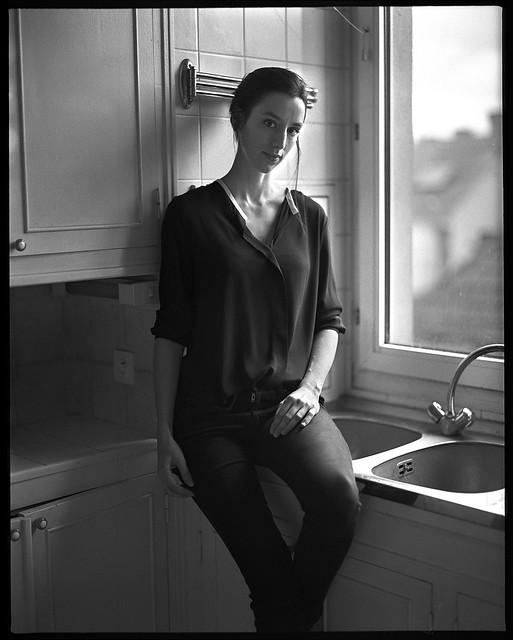 Maud, portrait in her kitchen