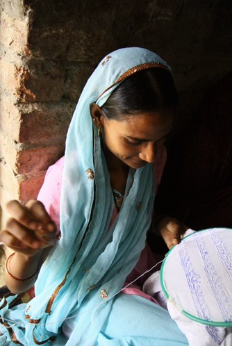 公平貿易讓婦女可以不必離開家園。照片提供:繭裹子。