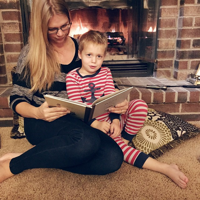 Sunday reads continued (bedtime edition)... ?????????? #reading #winter #fire #warm #love