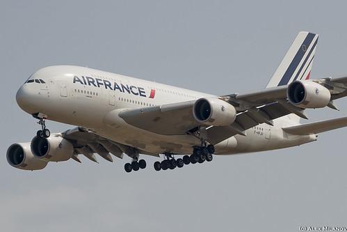 A388 - Airbus A380-861