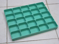 25 compartment storage tray