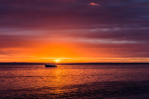 ocean sunset sea sky cloud sun seascape water boat nikon indianocean colourful nikkor mauritius f28 2470mm d610