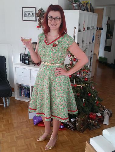 Dibulous: Christmas dress and Vintage Sewing Pattern Pledge