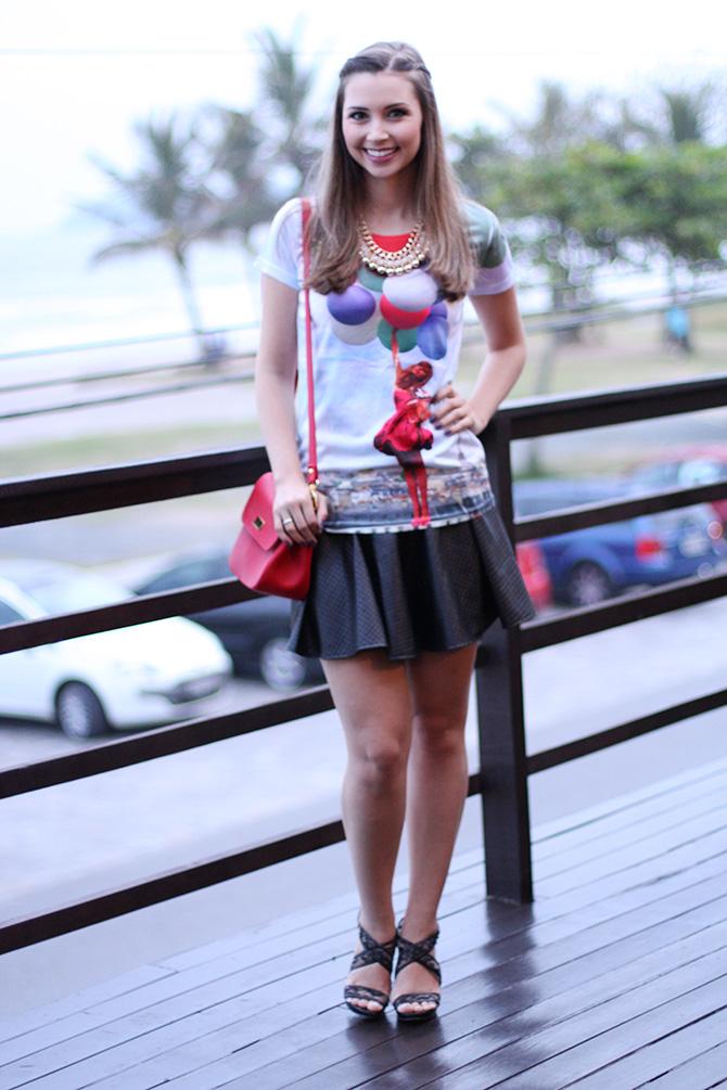 02-t-shirts de baloes com saia preta look do dia