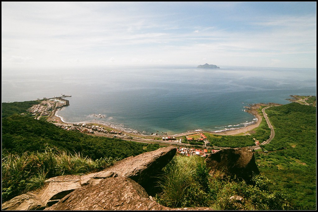 鷹石尖眺望龜山島