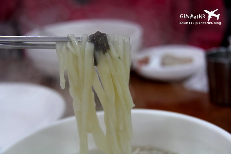【濟州島古早味美食】洪家味刀削麵+韓國大水餃(옛날 홍가네칼국수) @GINA環球旅行生活|不會韓文也可以去韓國 🇹🇼
