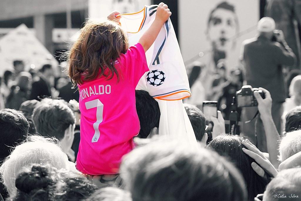 Estátua Cristiano Ronaldo Madeira (5)