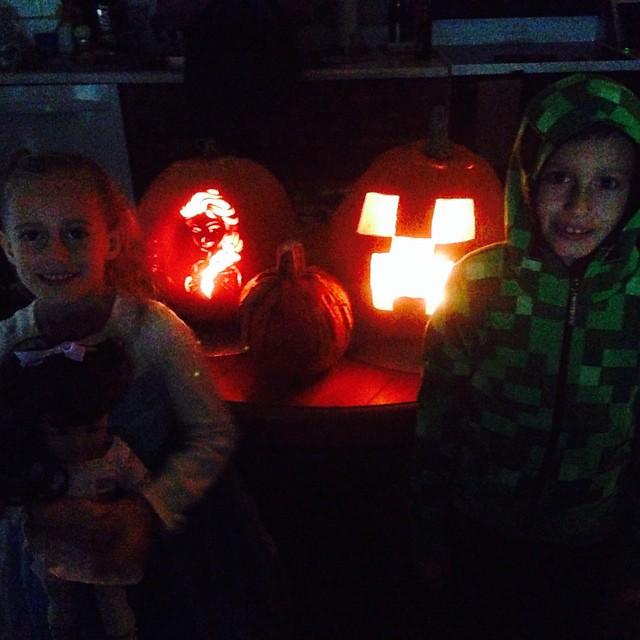 Our pumpkins 🎃🎃🎃 even match us!! 💙💚💙💚