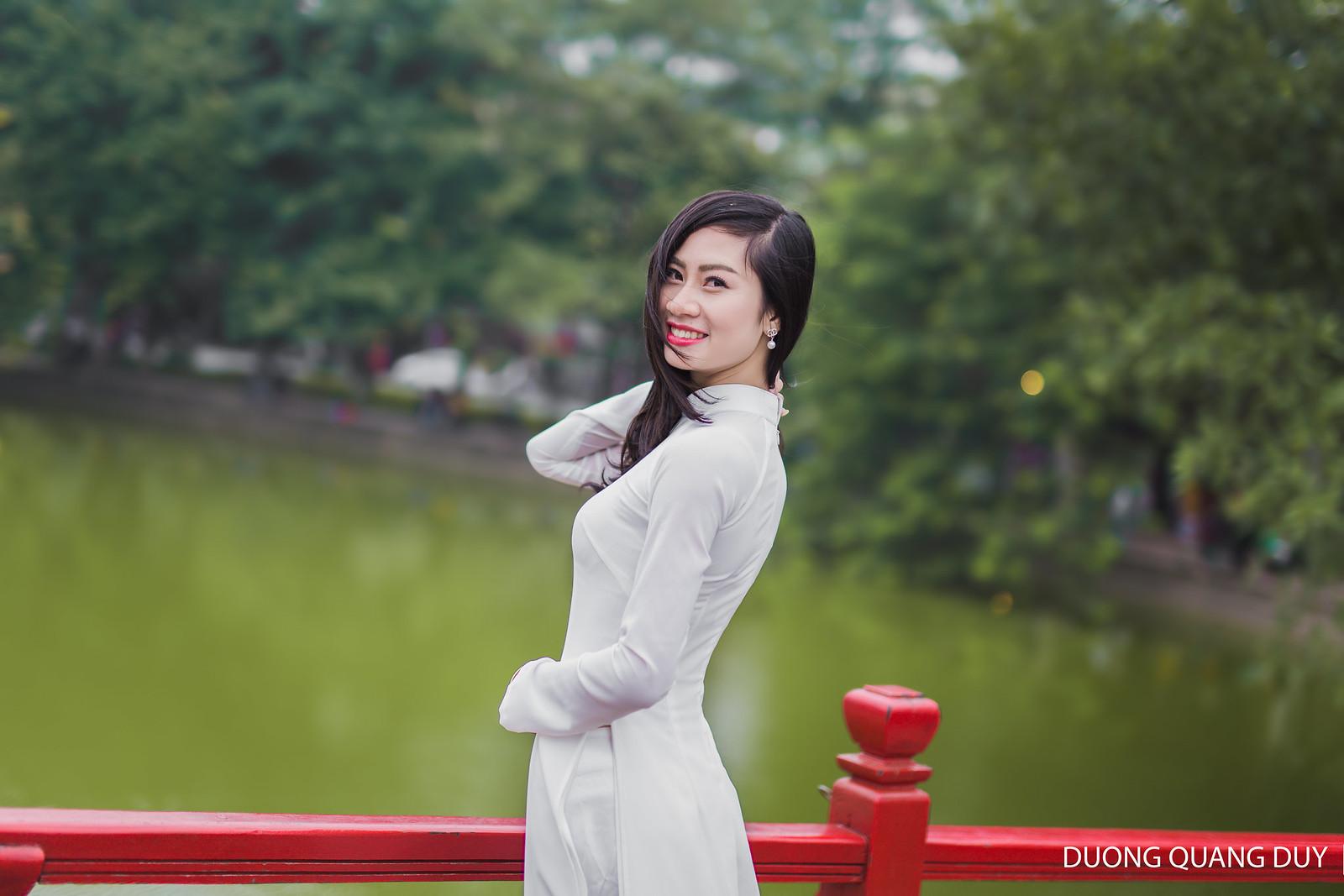 Áo dài trắng - Hà Nội chớm đông 5