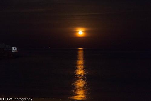 sea sky orange moon reflection beach night uae rise beack fujairah 2015 fujeirah
