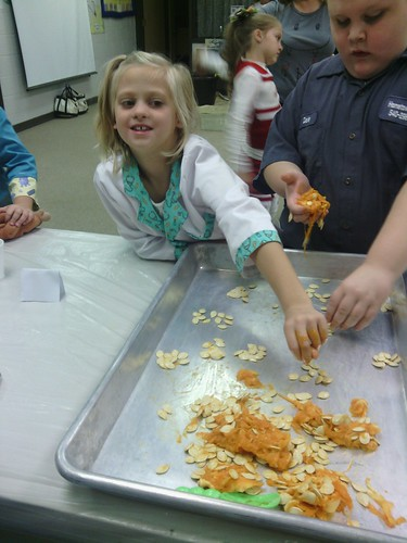 Oct 31 2014 2nd grade pumpkin party (2)