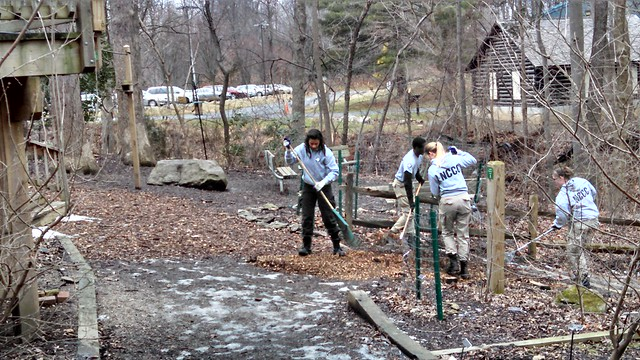 Americorps/FEMA Volunteers Pitch In