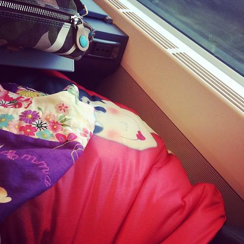 In the train:) ready to knit :) Sul treno pronta a lavorare a maglia:)