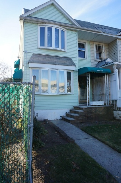 1 FAMILY SOUTH OZONE PARK  -Under Contract-