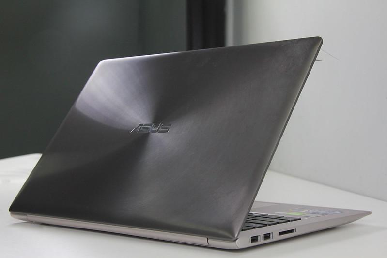 Asus Zenbook UX303LN: Thiết kế siêu mỏng với hiệu năng cao - 58294