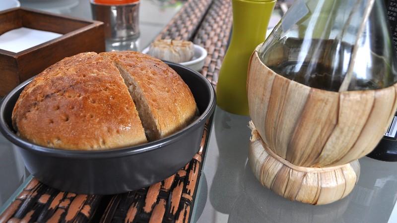 fresh baked bread and garlic