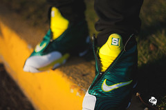 "Nike Air Zoom ""The Glove"" Sole Collector Sonic Wave"