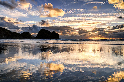 travel blue light sunset sea newzealand sky nature water clouds landscape geotagged evening long solitude mood loneliness outdoor sigma nz destination serene lonely 1770 coordinates hdr position lat neuseeland piha photomatix 2013