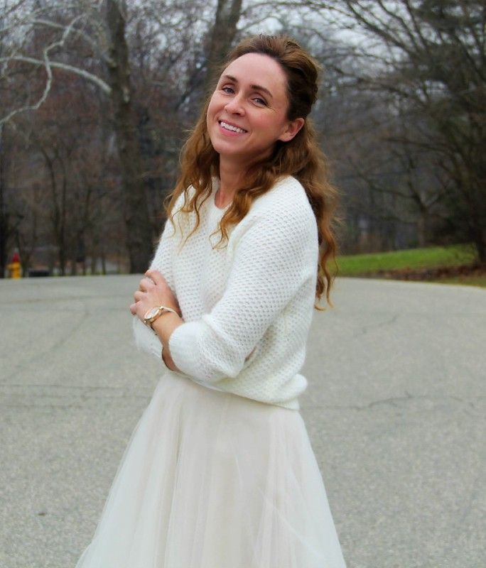 cute-modest-winter-white-outfit
