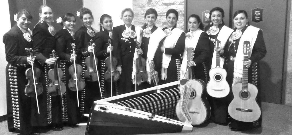 Vivan las mujeres! Female mariachi band in San Francisco