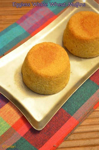 how to make muffins in pressure cooker - eggless wholewheat jaggery cupcakes recipe