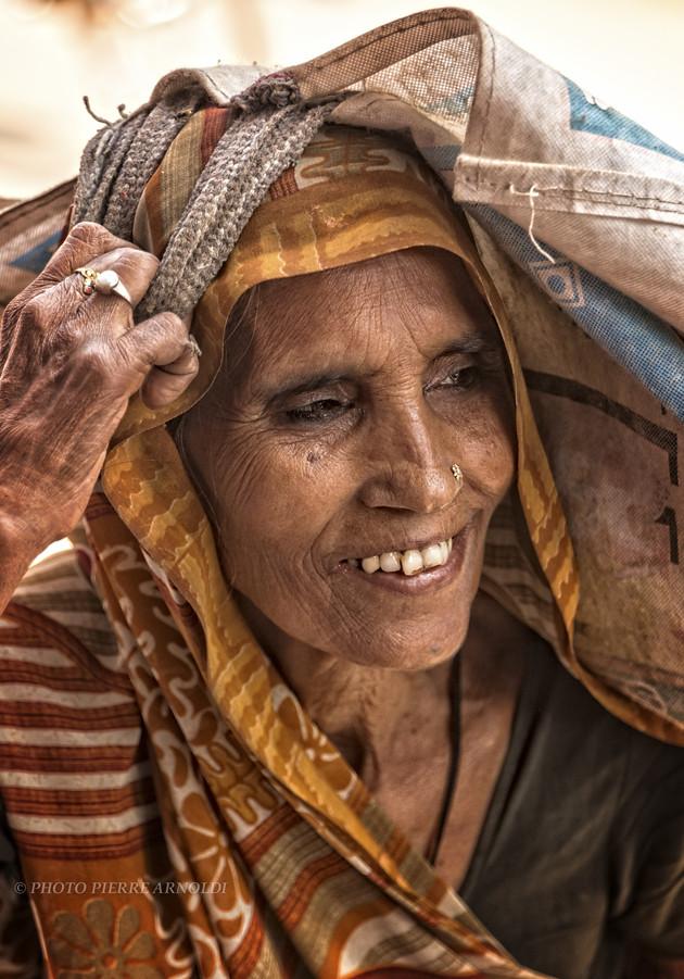 RAMNAGAR Ù: PORTRAIT DE FEMME