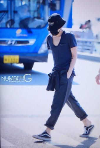 Big Bang - Incheon Airport - 05jun2016 - Number G - 01