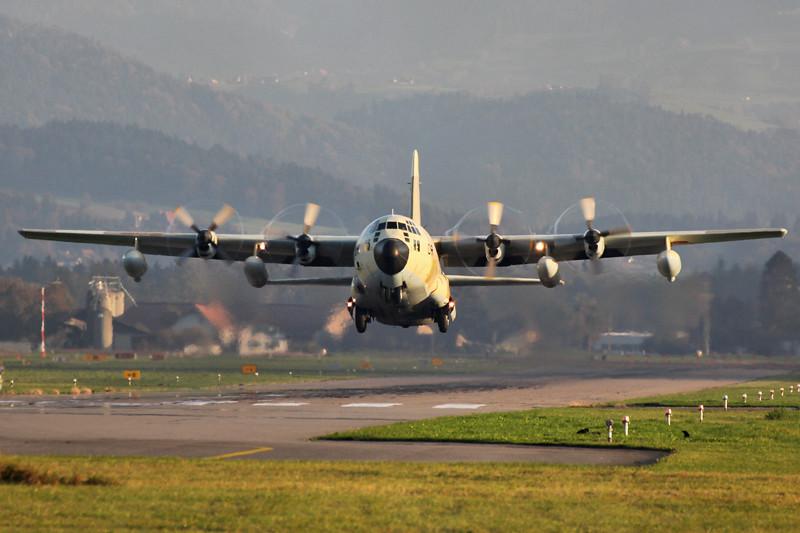 FRA: Photos d'avions de transport - Page 20 15069100094_5dcb3158bd_b