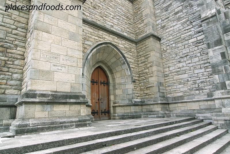 Catedral de San Carlos de Bariloche main door