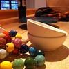 @_coolcat rüstet sich zum Keramik malen. Bin krank u schau nur zu. #100happydays