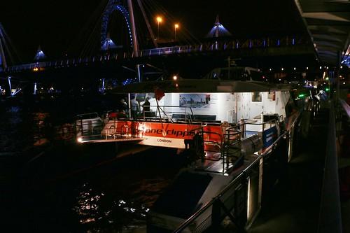 Una delle navi della MBNA Thames Clipper