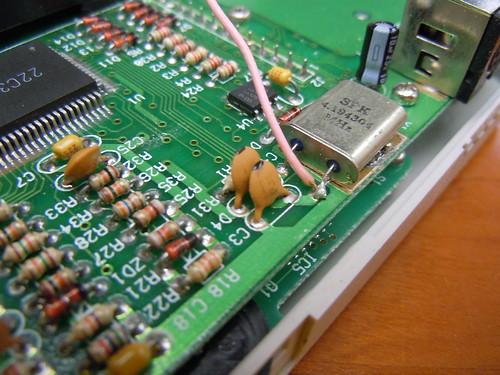 Nintendo Gameboy clone Game Fighter wire clock glitching