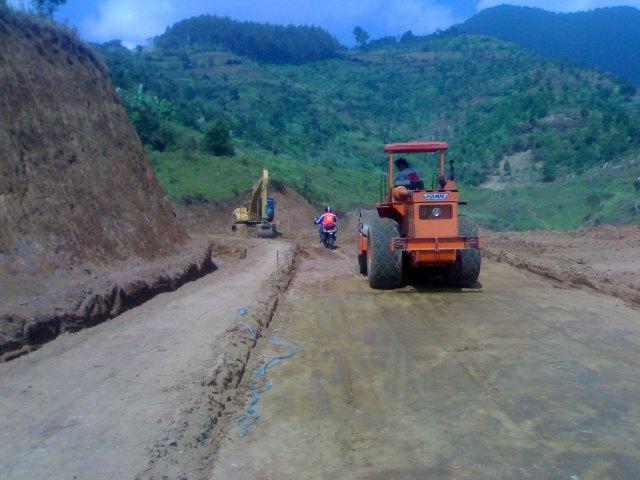 Pembangunan Jalan Desa Kurang