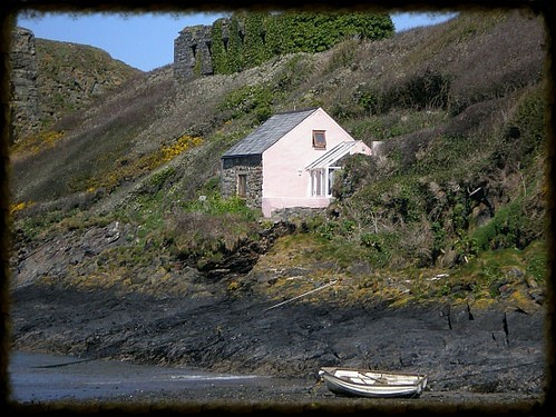 cottage-by-the-sea-pembrokeshire