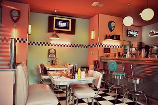 http://hojeconhecemos.blogspot.com.es/2013/07/eat-peggy-sue-majadahonda-espanha.html