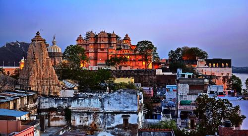 India - Rajasthan - Udaipur - City Palace & Jagdish Temple At Evening - 130