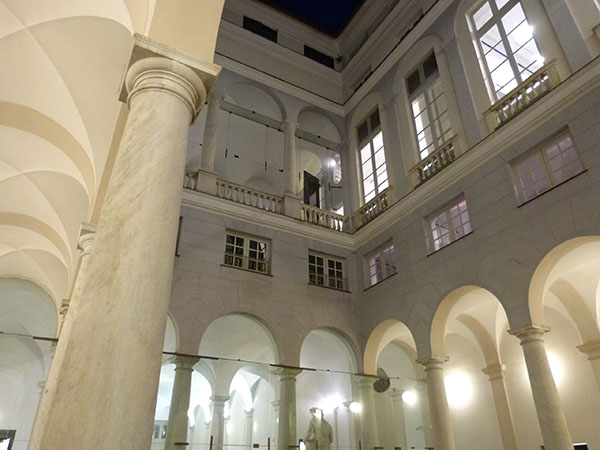 palais blanc