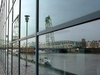 Hình ảnh của De Hef. bridge reflection netherlands mirror rotterdam nederland brug bru refleksjon hef