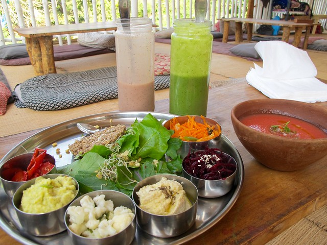 India - Arambol raw thali