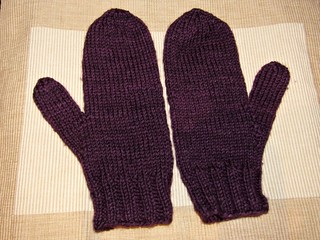 Loopy mittens, first look