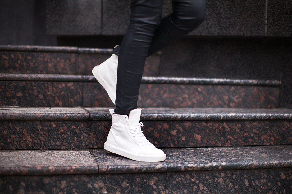 white-zara-high-tops-outfit-street-style