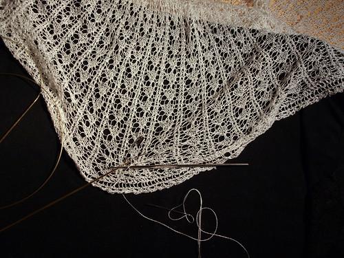 Fixing lace shawl (III)