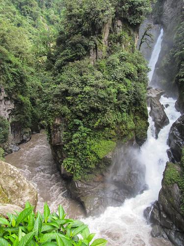Baños: la cascada El Pailon del Diablo