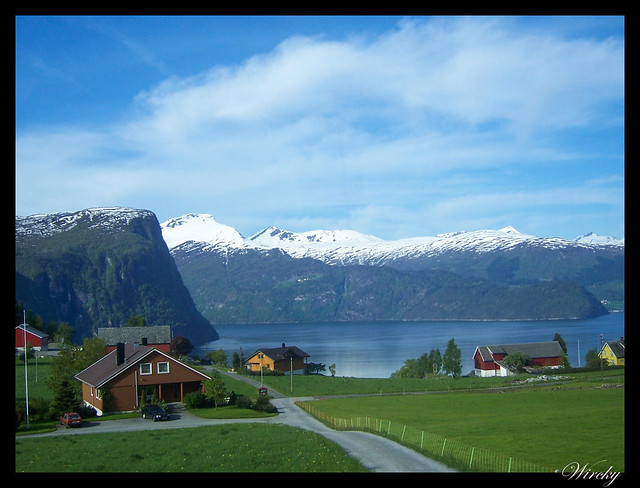 Fiordos noruegos Storfjord Geiranger Hellesylt Briksdal Loen - Linge y fiordo de Nordal