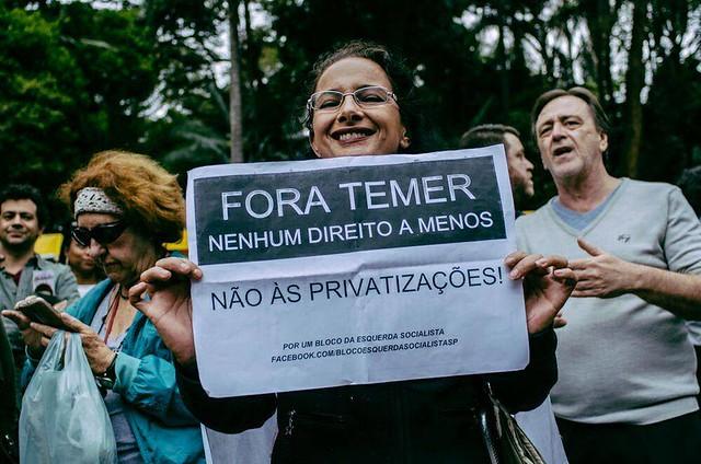 """Manifestante protesta contra a retirada de direitos em ato """"Fora, Temer"""" em São Paulo (SP) - Créditos: Mídia NINJA"""