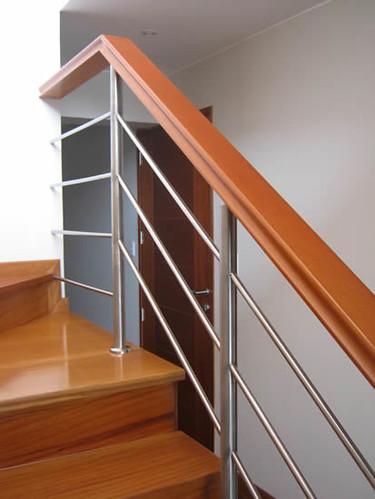 Como elegir el pasamanos correcto para tu escalera arkigrafico - Baranda de madera ...
