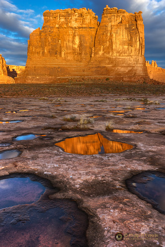 clouds sunrise dawn landscapes utah us sandstone rocks anp skies unitedstates scenic moab geology archesnationalpark deserts hdr naturephotography waterscapes landscapephotography pentaxk3 fingolfinphoto philipesterle courthosetowers