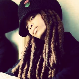 #erykahbadu wearing #dreadlocks