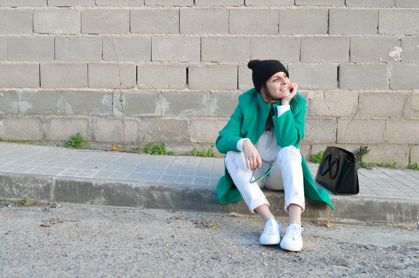 lara-vazquez-madlula-style-streetstyle-green-coat-fall