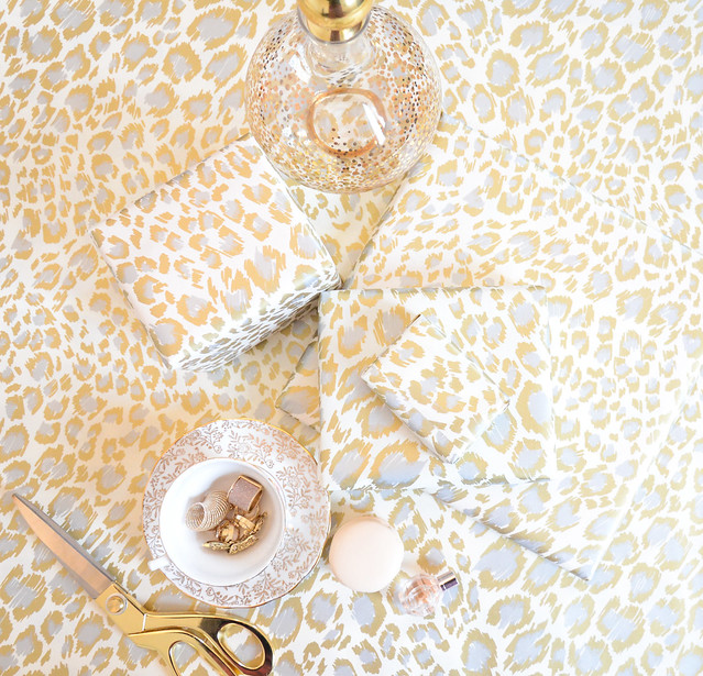 white and gold leapord print wrapping paper